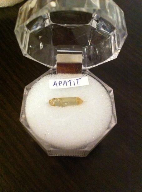 APATIT GALBEN - expo mineralia bacau 2014